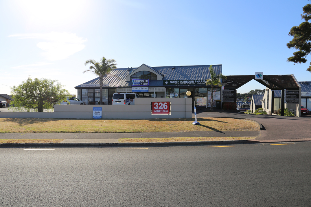 Front view of 326 Sunset Road, Windsor Park, North Shore, Auckland - 0632, New Zealand